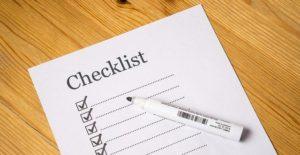 une checklist avec un crayon