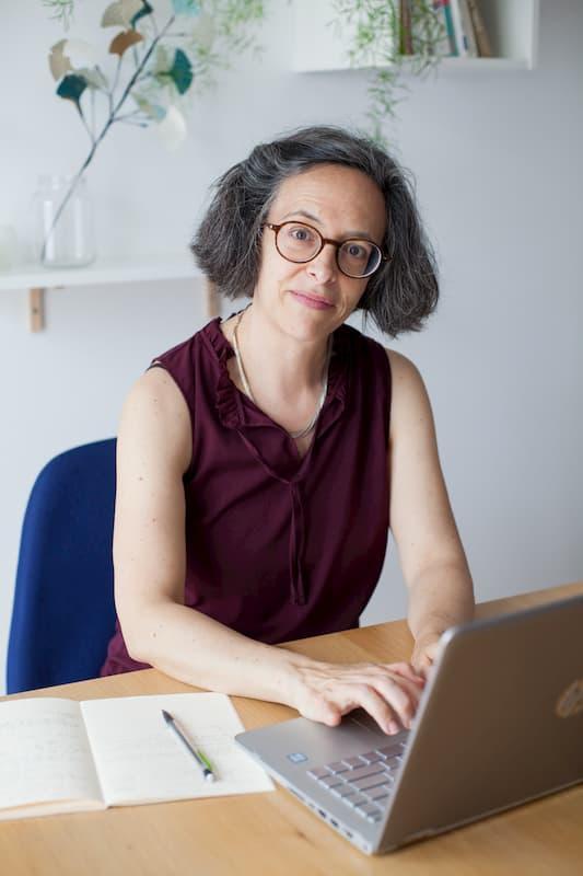 Portrait de Sylvie Massey, consultante SEO